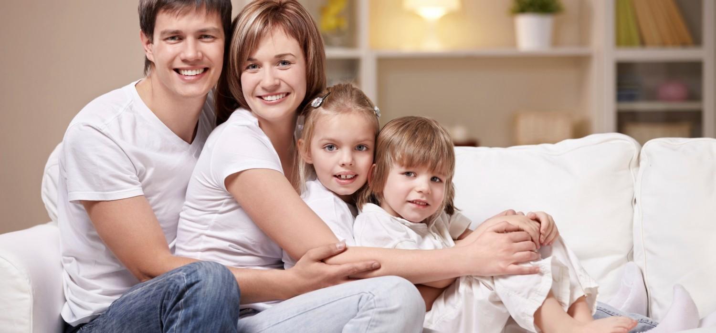 family medium 2078x1385